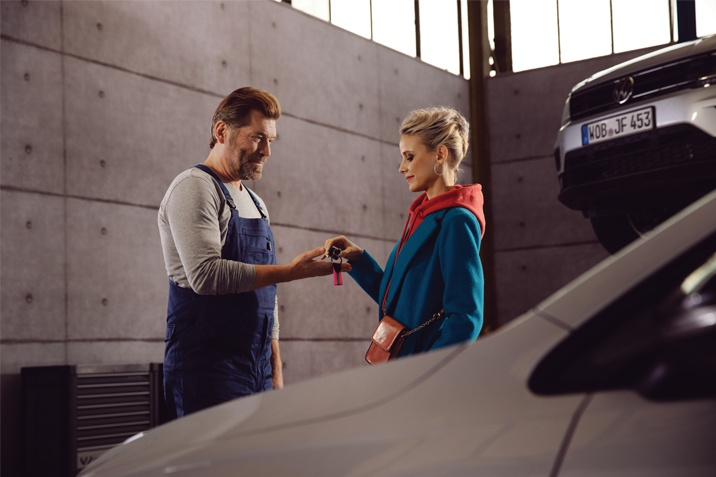 VW Service - key handover
